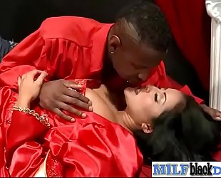 Mature concupiscent white lady (kiara mia) ride giant dark mamba dong on tape vid-14