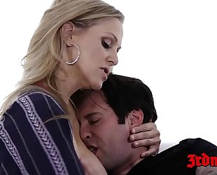 Cougar julia ann toe sucked during the time that dicked in the cunt