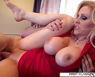 Julia's spouse likes watching her getting pounded by other dudes