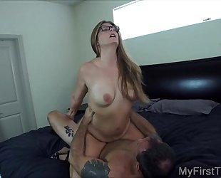 Kloe's 1st porno