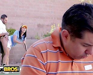 Bangbros - large wazoo milf rachel starr bonks her golf instructor behind husband's back