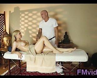 Sarah vandella screwed after massage
