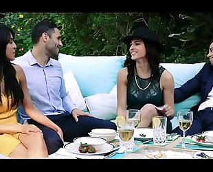 Sophia leone & leah gotti gang gangbang in hawt tube full video: goo.gl/ptzlrm