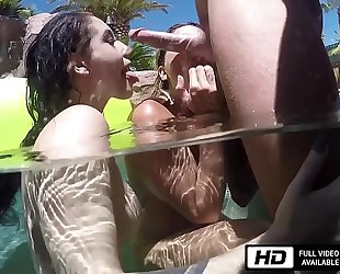 Noelle easton and kissa sins are all juicy for johnny sins