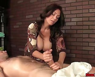 Sexy big-titted white lady knob treatment