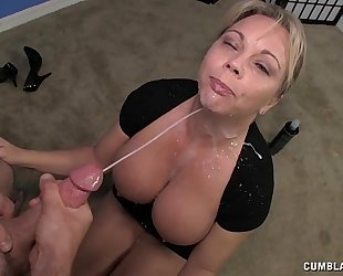 Milf tugjob demonstration
