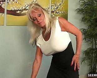 Granny pov oral