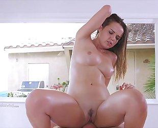 Beauty hotwife receives fuck - girlssexycam.com