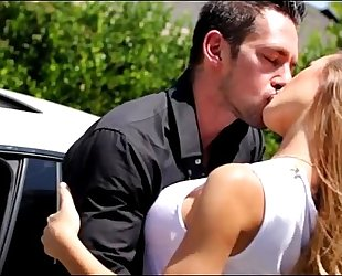 Blonde hot housewife breasty car hunk greater amount on www.tr.im/brazzers